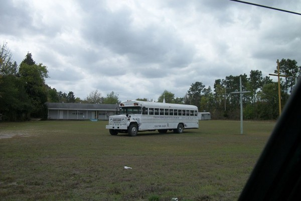 Late-1970's_Chevrolet_Church_Bus_on_Wiscon_Road